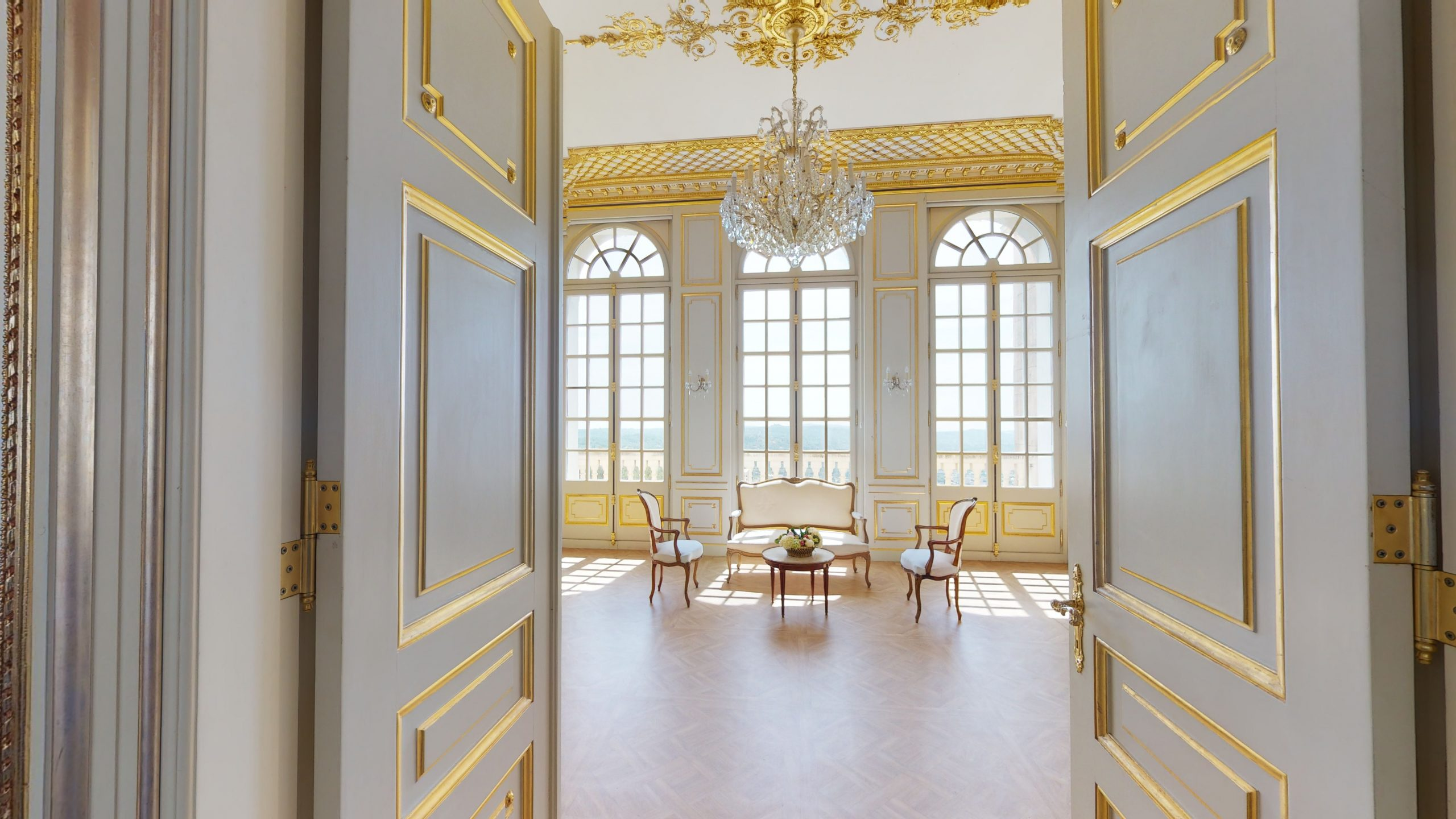 5 Reasons To Hire Chateau Saint Georges For Your Intimate Destination Wedding